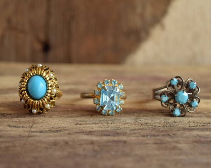 Blue Costume Rings - Rhinestone Rings - Adjustable cocktail rings - Light blue mid-century cock tail rings