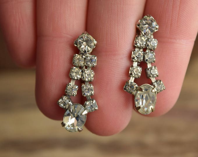 Vintage Bridal Earrings  - Screw back - Art Deco White Rhinestone Earrings