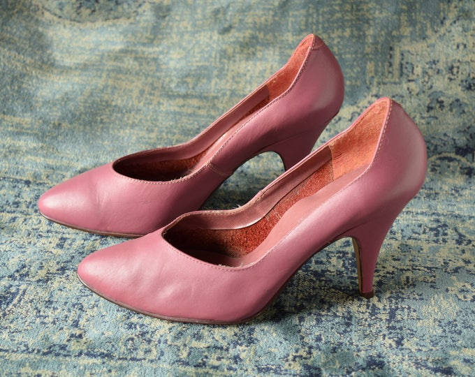 Mauve Pink Pumps - Size 7 B - 1980s Heels - Rose colored Shoes - Vintage pumps - leather heels - 80s pumps - soft pink heels