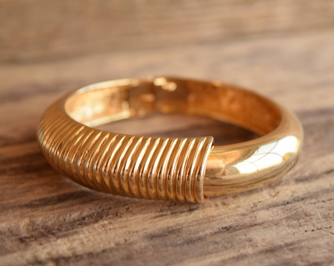 Gold Toned Hinged Bangle Bracelet - Vintage CastleCliff