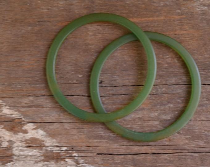 Green Bakelite Spacers - Semi translucent green swirl bakelite spacer - set of 2 bangle bracelets - Green Marbled bakelite bangles