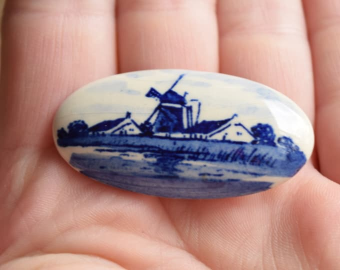 Blue Porcelain Brooch - Windmill Brooch - Wind mill pin - Dutch Jewelry - Made in Holland - Oval vintage brooch - delft pottery jewellry