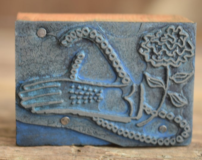 Vintage gloves Printing press block - vintage jewelry print block - antique metal stamp - Metal printing press block