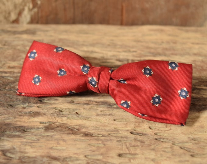 Red Vintage Bow Tie