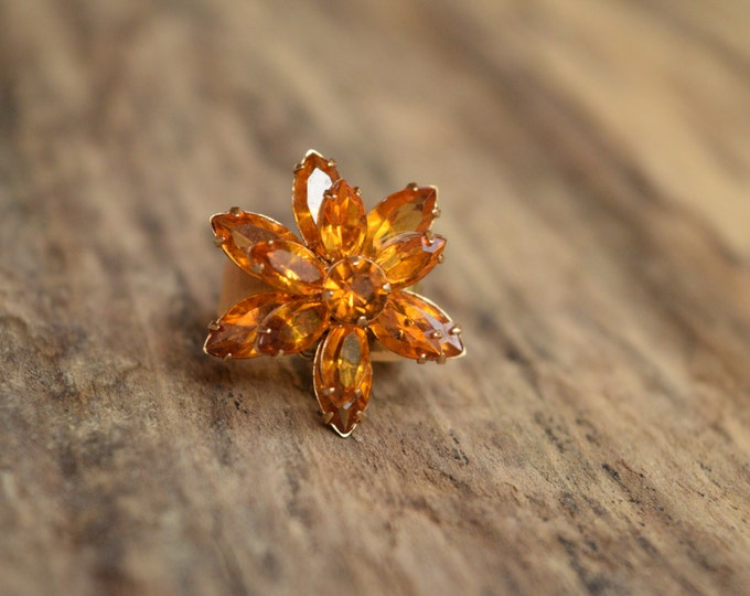 Size 5 - Vintage amber rhinestone flower cocktail ring - new old stock - 18kt HGE -  Uncas vintage ring - retro - midcentury - mod - orange