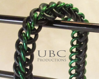 Green stretchy chainmail bracelet