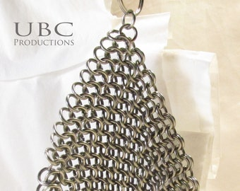 Stainless steel chainmail pot scrubber