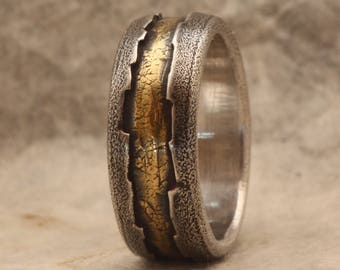 rustic wedding band for men. 18K gold and silver