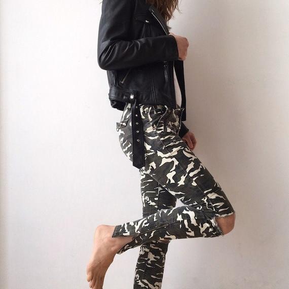 Vintage military print slim pants for women, army
