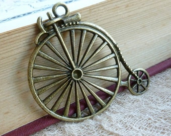 1x Penny Farthing Pendant, SteamPunk , Steam Punk  Antique Brass Pendant Charm C345