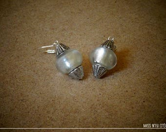 Ethnic earrings & silver highlights white Lampwork Glass Beads