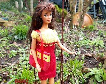 homemade dress yellow/red with shoppingbag for 1 to 6 scale dolls like Barbie