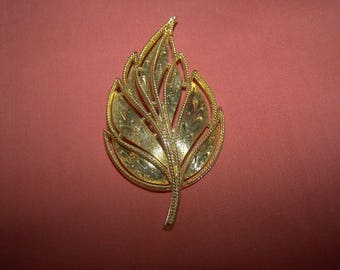 Large stylised vintage gold tone leaf pin brooch. Probably French.