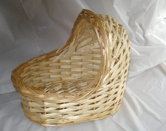 Vintage Wicker Bassinet  for Baby Shower Decoration (**Please Read Ad for Dimensions)  Add Flowers for a Great Table Centerpiece!