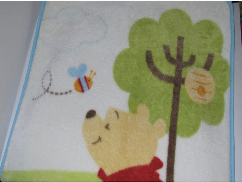 Disney Baby Winnie the Pooh Honey Fleece Blanket