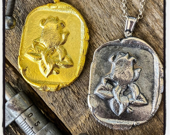 Rose Wax Stamp Pendant Rose Wax Seal Necklace Rose Seal Pendant Rose Wax Seal Wax Seal Stamp Rose Necklace Rose Pendant Rosebud Necklace