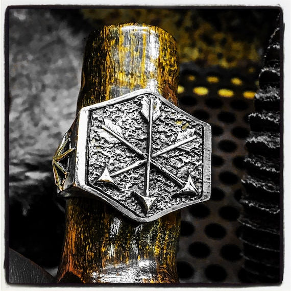Sterling Silver Arrows Ring Archers Ring Medieval Ring Archery Ring Warrior Ring Hunters Ring Bow Ring Darts Ring Coat of Arms Ring Shield