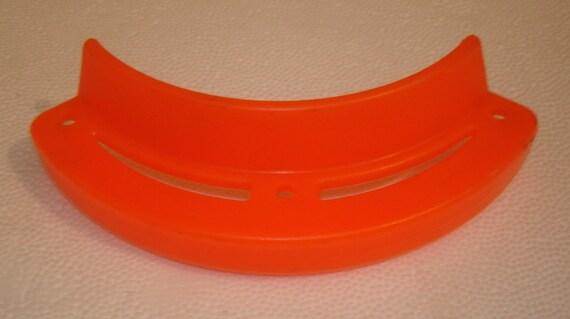 Protège-nez partie à roulettes pour les années 1970-80 époque type ponts dur en plastique neuf ancien stock nos vintage orange
