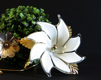 Vintage Glass Flower on Brass Stem - White Glass Sculpture - Brass Flower Figurine - White Home Decor - Vintage Brass Decor - White Flower