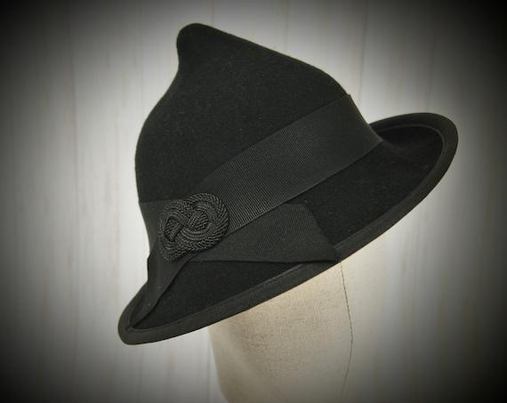 Felt Deco Hat
