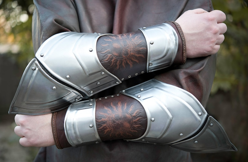 Costumes & Accessories Medieval Warrior Cosplay Retro Steampunk Cosplay Arm Props Bracers Men And Women Cosplay Knights Armor Retro Accessory Bracers
