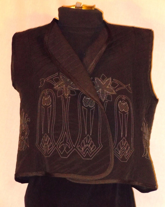 Black XXL quilted silk vest, original design machine embroidery. One of a kind