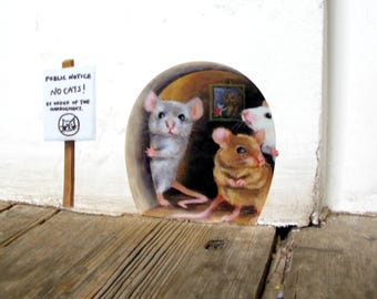 No Cats! Scaredy Mice Mouse hole Wall Sticker / Decal, cute novelty vinyl (SKU: nc)