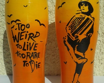 Hand Painted, Fear and Loathing in Las Vegas, Hunter S. Thompson, 'Too weird to live, Too rare to die' SINGLE Pint Glass, Unique, Gift Idea.
