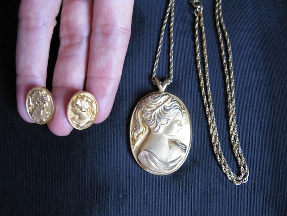 cameo costume jewelry set