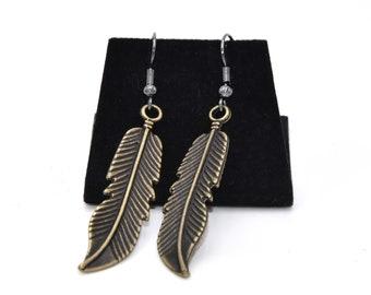 Leaf errings, nature lovers, brass leaf earrings