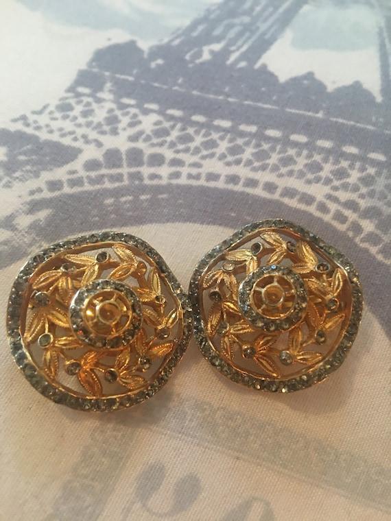Lovely Castlecliff vintage clip on earrings 1960s
