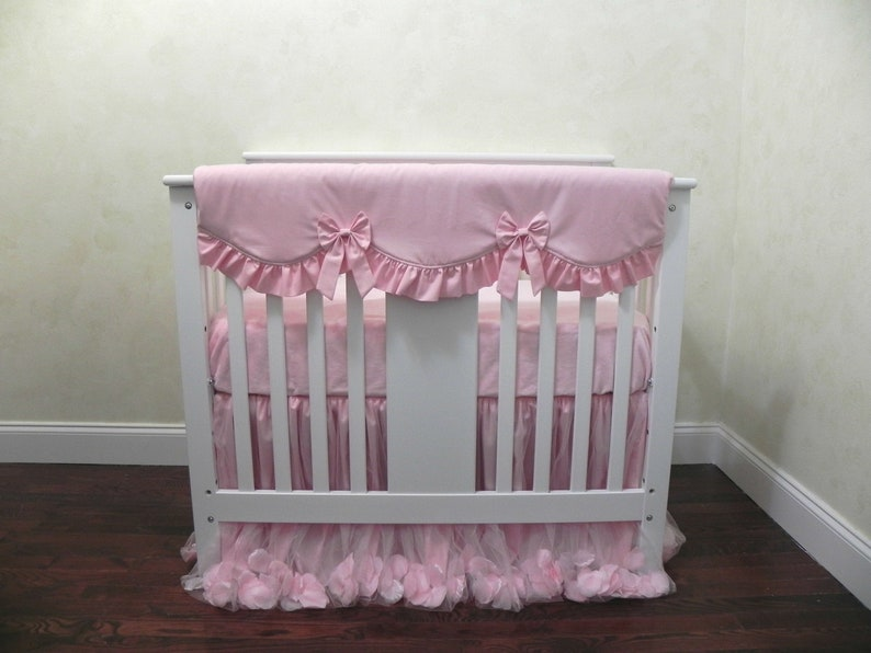 BabyBeddingbyJBD - Mini Crib Bedding in Giselle Pink