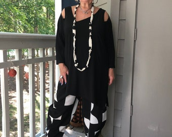 Lagenlook Bohemian Asymmetrical Cold Shoulders Black Tunic with necklace