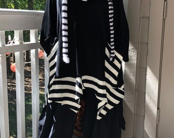 Lagenlook Bohemian Asymmetrical Wool Blend Black Sweater/Tunic with Necklace