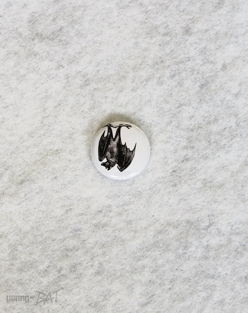 Hanging bat button white image 0