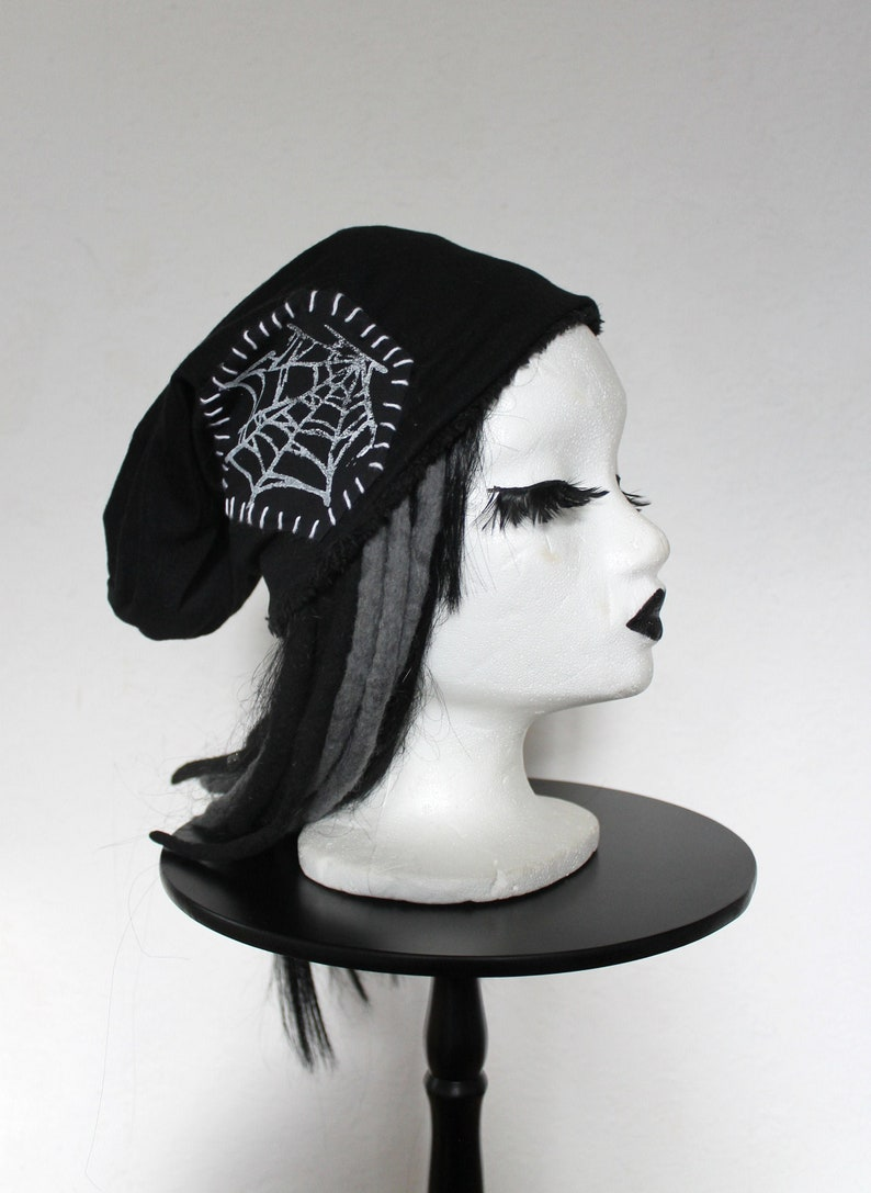 Beanie hat spinning web black lined UNIKAT image 0