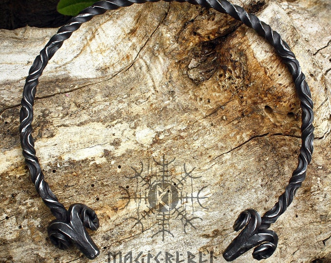 Forged Iron Neck Torc, Ram Forged Torc, Torc Nekclace, Viking Torc, Medieval Nordic Torc, Handforged Torc, Costume Reenactment LARP