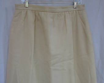 Winter white wool skirt--vintage , size 18