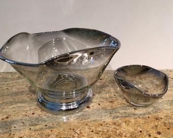 Mid Century Modern Dorothy Thorpe Wavy Mercury Fade Glass Salad and Dip Bowl