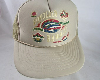 840f9d00d65 Honolulu Hawaii Trucker Hat Snapback Beige Dolphins Nissin Nylon Vintage