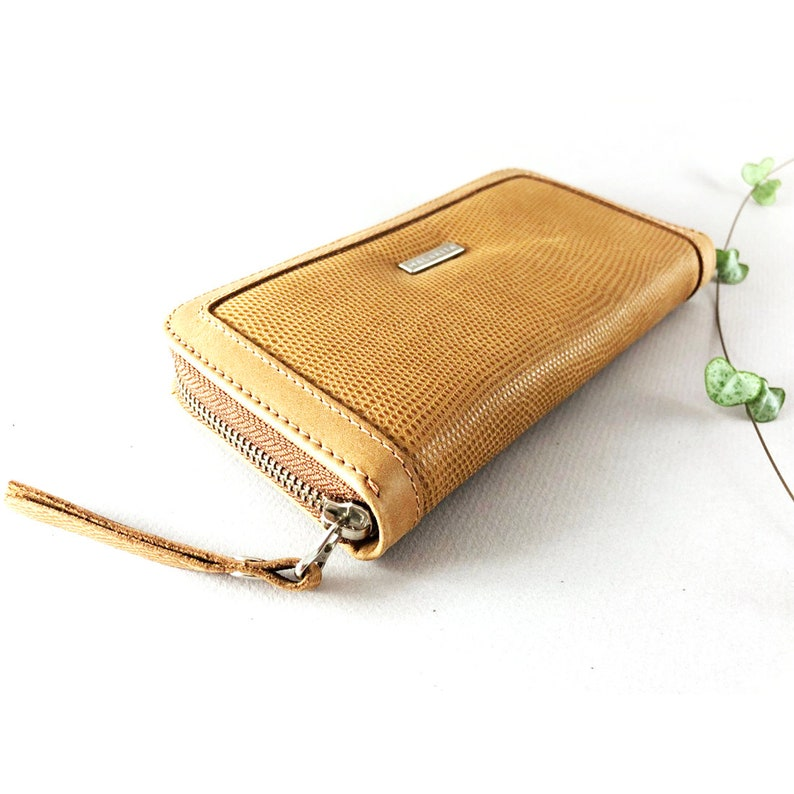 52dba0663e0cb Camel skórzany portfel zapinany na suwak damska portfel | Etsy