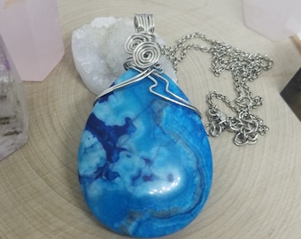 Blue Quartz Crystal Necklace, Agate Crystal Pendant, Agate Necklace, Blue Lace Agate Slice,Blue Quartz Pendant Necklace,Agate Wiccan Jewelry