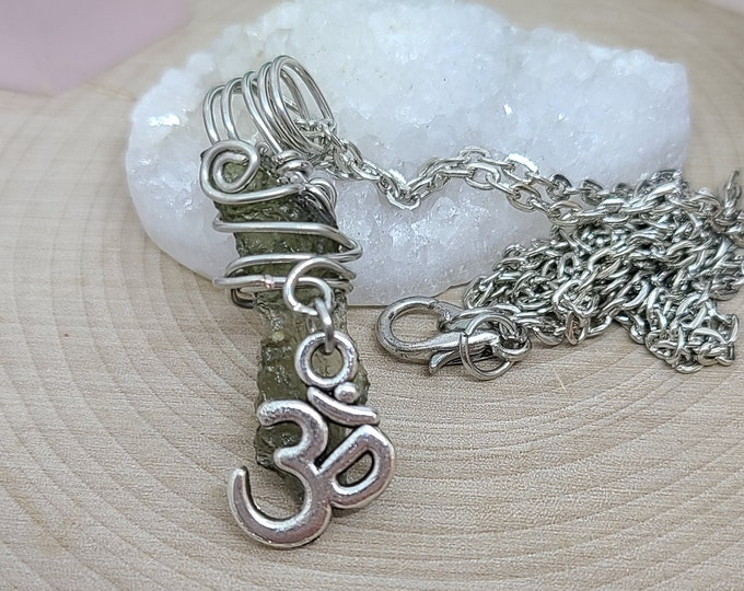 Featured listing image: Moldevite Crystal Necklace,Moldavite Pendant Necklace,Moldavite OM Necklace,Raw Moldavite Protection Amulet