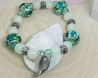 Green Leaf Bracelet, Green Crystal Bracelet, Green Leaf Charm Bracelet, Green Crystal Stretch Bracelet,Green Crystal Chakra Bracelet,