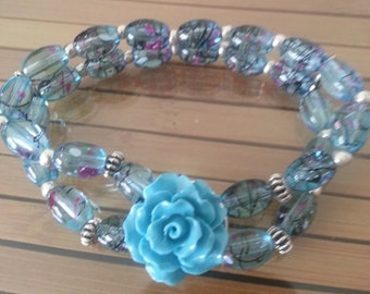 Blue Floral Glass Stretch Bracelet,