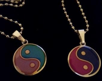 YIN YANG Mood Changing Pendant Necklace, Kids Novelty Color Changing Necklace, Mood Charm Necklace, Bohemian Necklace, Fashion Jewelry Gifts