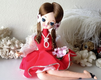Vintage pose doll retro Japan seated lounging big eye girl doll stockinette figure
