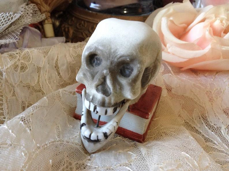 66df42c47420 Vintage skull nodder porcelain Japan skeleton head figurine