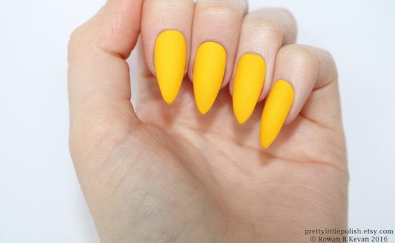 Stiletto Nails Matte Yellow Fake Press