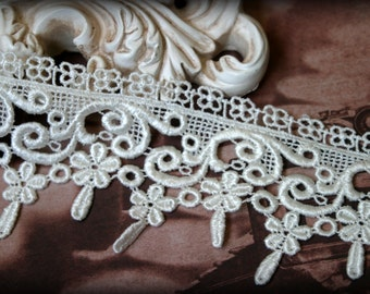 Tresors  Ivory Lace Trim, Venice Bridal Embroidered Guipure Crafting Fabric Lace Trim With Tear Drop Edging LA-021